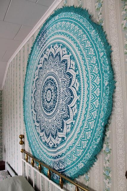 mandalakuvio, seinävaate, ryijy, värikäs koti