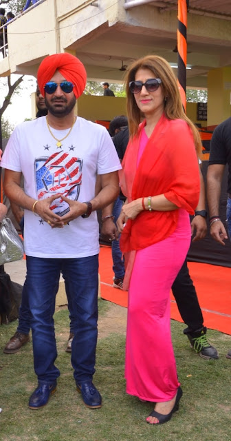 Singer malkit singh with a guest