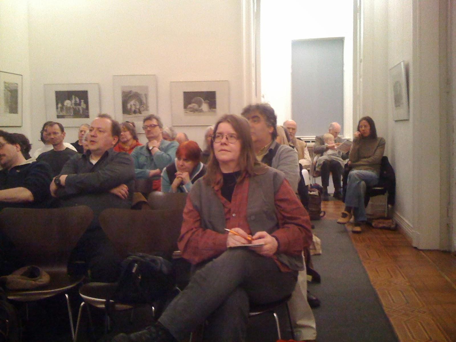 """Bei der Veranstaltung """"Armut gefährdet die Demokratie"""" mit Prof. Peter Grottian am Donnerstag, 24. März 2011, in Bremen"""