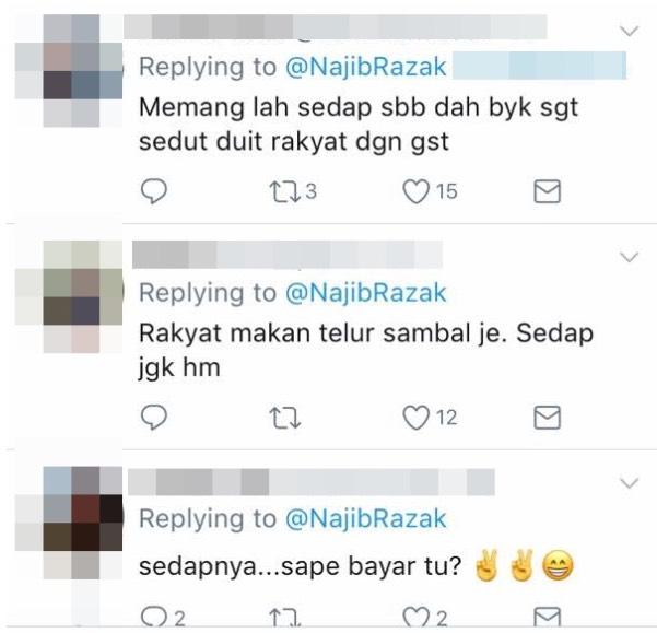 """""""Kami makan megi perisa ketam je"""" – PM Najib Muat Naik Gambar Makan Ketam, Terima Pelbagai Reaksi"""