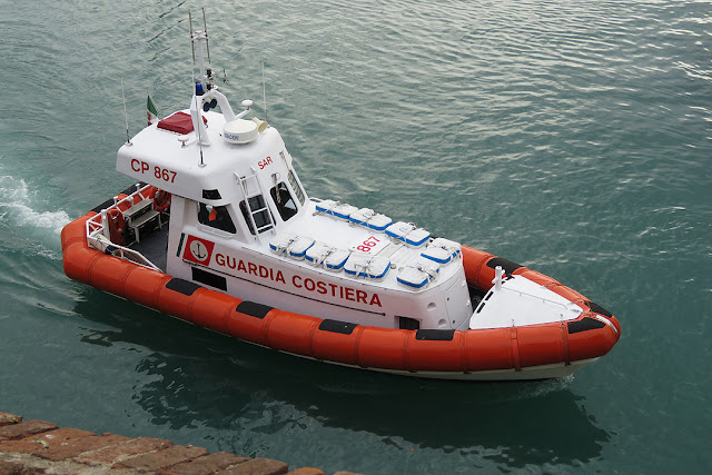 Coast Guard patrol boat CP 867, port of Livorno