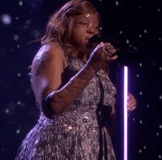 "Watch burn survivor, Kechi Okwuchi's beautiful rendition of Estelle's ""I am a conqueror"" at America's Got Talent 2017 finale; Watch Video"