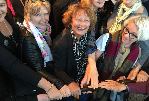 Women holding the Matua Tokotoko
