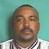 Policía busca hombre acusado de matar a otro y a una mujer en Sabana Perdida
