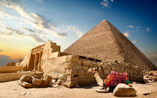 Αποτέλεσμα εικόνας για Πυραμίδες της Γκίζα: το κόλπο με τις καμήλες