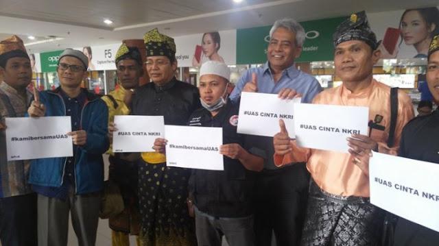 Lembaga Adat Melayu Riau akan Gugat Arya Wedakarna