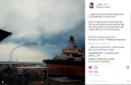 Dahsyatnya Penampakan Tornado di Laut Cirebon Jadi Viral