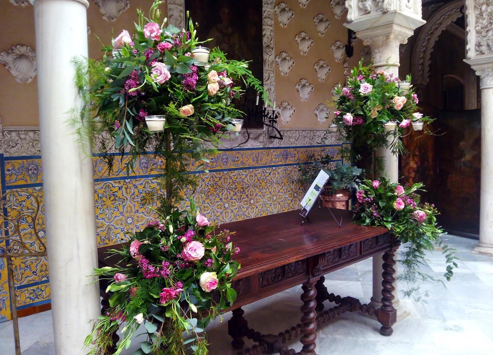 La decoraci n floral en el altar de tu boda c rtamo for Adornos para plantas con llantas