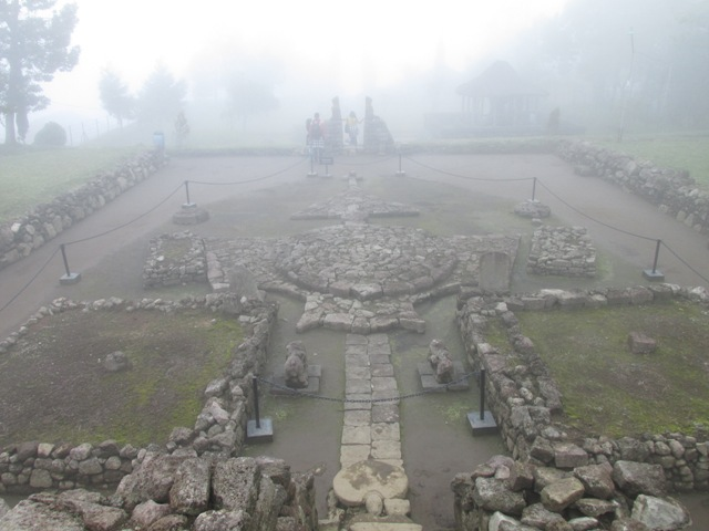 arca lingga yoni di candi Cetho Karanganyar