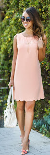 Vestido para o verão - vestido curto rosa quartzo e mala branca