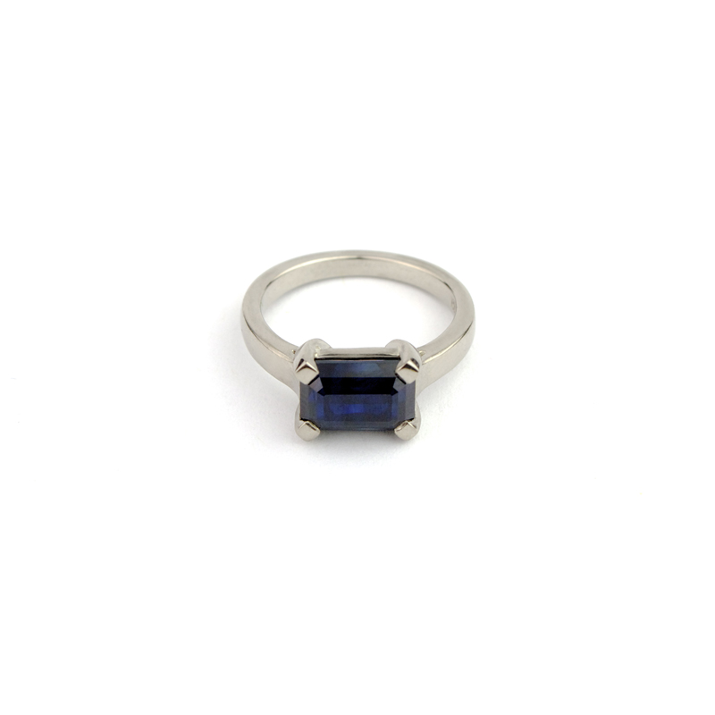THE GOLDEN SMITH Australian Sapphire Cut In Australia Made in