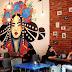 Café feminista que virou notícia por cobrar taxa extra dos homens anunciou falência