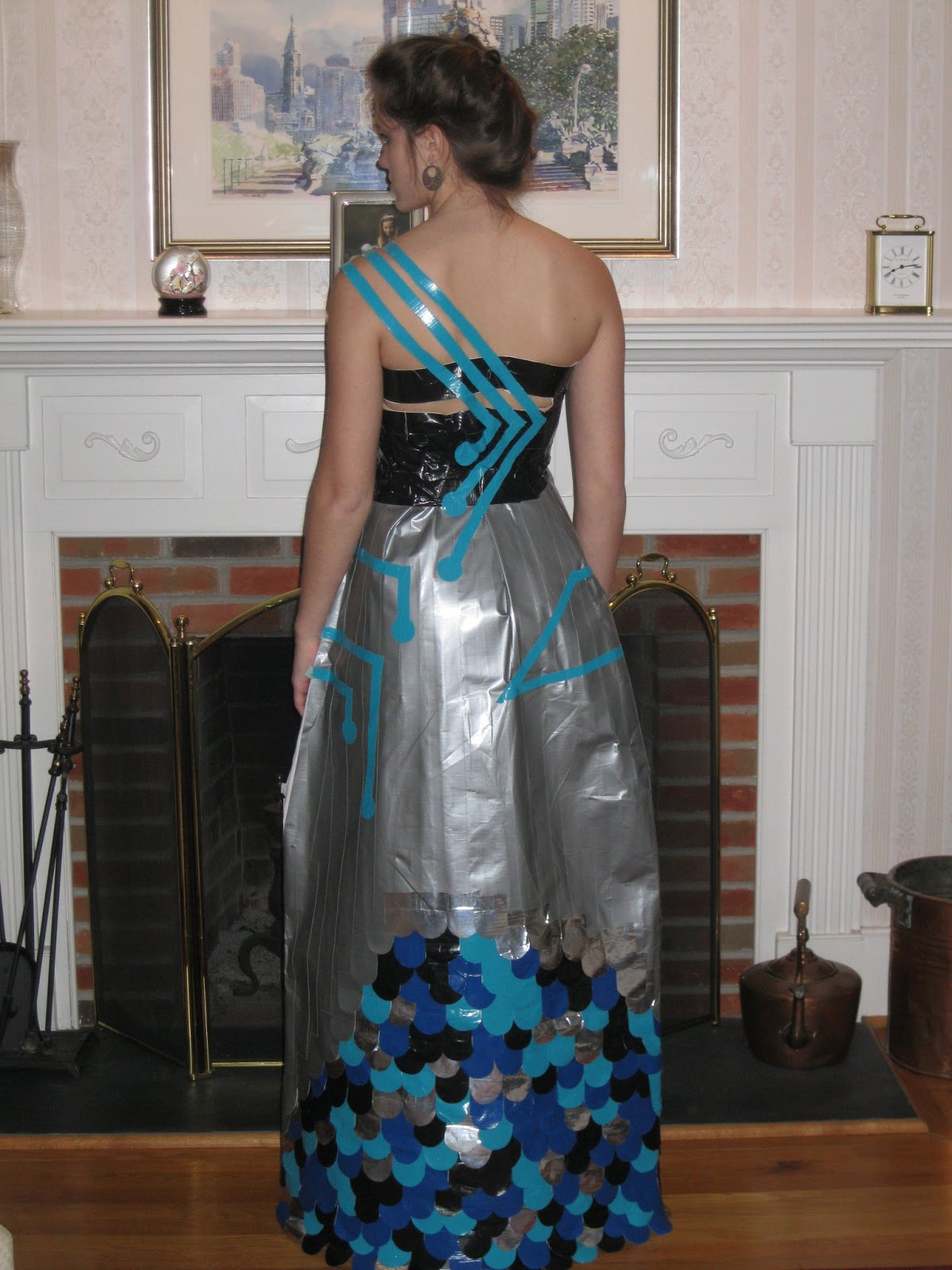 tomorrowhappensnow: Duct Tape Prom Dress  Duct