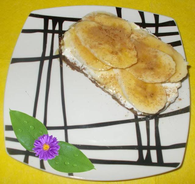 Ideia de sanduíche de doce light com banana