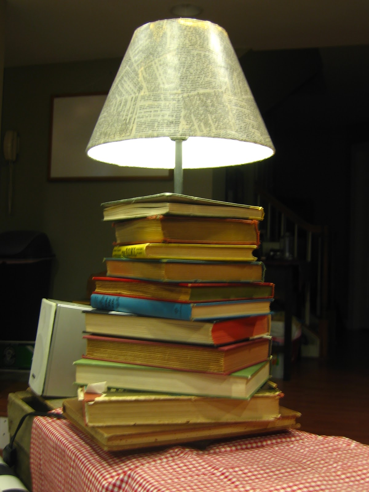 Boog Lamp Mari Makes: Project - Book Lamp Deluxe!