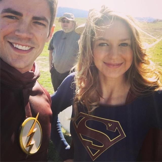 Na segunda, os dois aparecem no cenário da Fortaleza da Solidão do Superman. 3e00807747