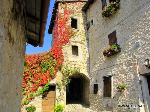 Borgo La Scola, scorcio dell'antico abitato