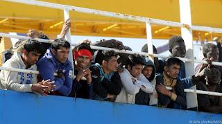 На Сицилию прибывают новые беженцы