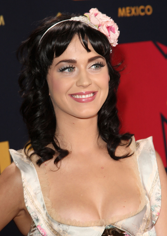 Dirty Hollywood: Katy Perry's Best Cleavage Photos