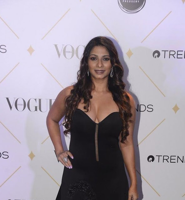 Tanishaa Mukerji Hot At Vogue Beauty Awards 2017