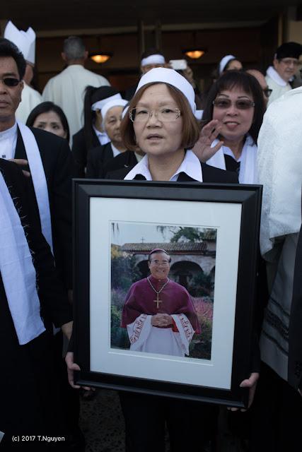 Hình ảnh thánh lễ an táng Đức Cha Dominicô Mai Thanh Lương - Ảnh minh hoạ 6
