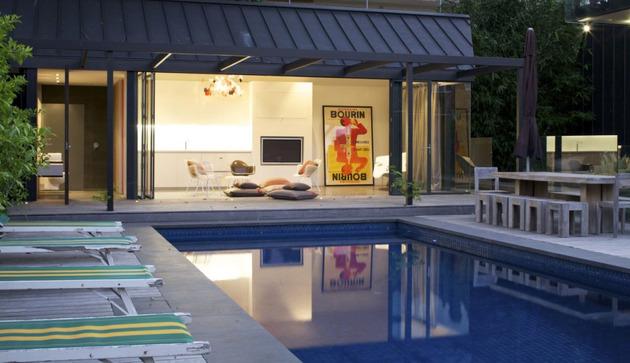 Rumah Mewah dengan Kolam Renang dan Dinding Kaca | Desain ...
