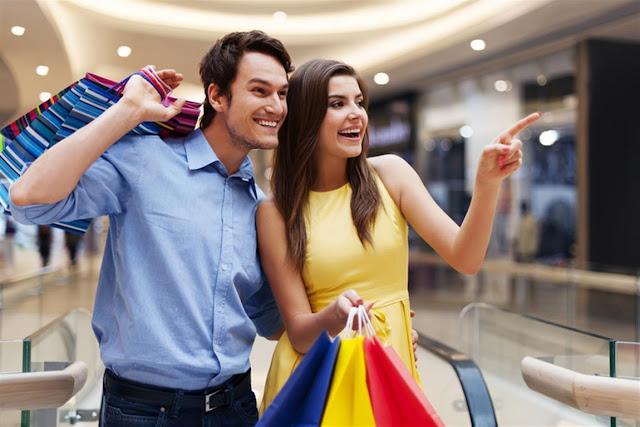 Pacaran di mall