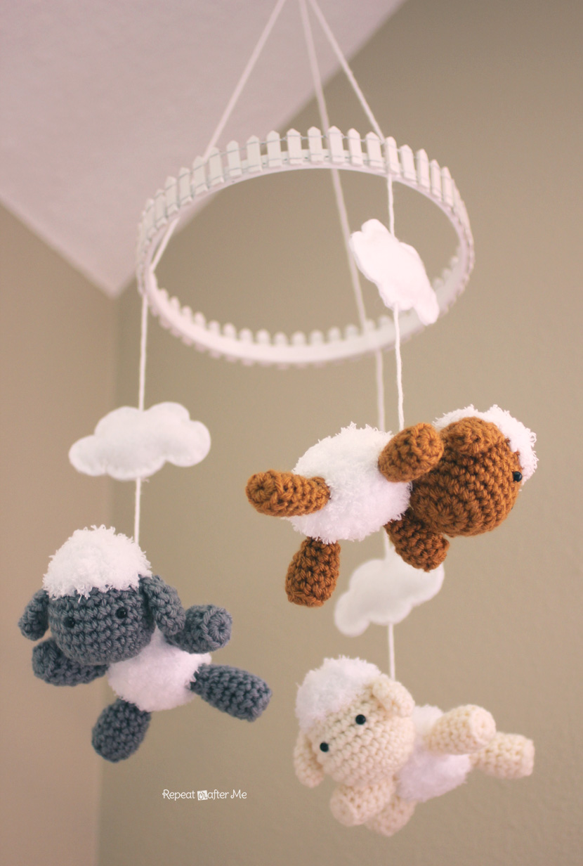 crochet lamb pattern and baby mobile repeat crafter me. Black Bedroom Furniture Sets. Home Design Ideas