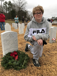 Montgomery Catholic Students Honor Fallen Veterans With Wreaths Across America 2
