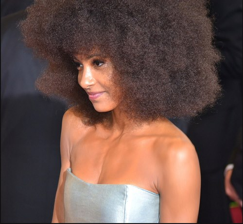 Cabello afro mujer