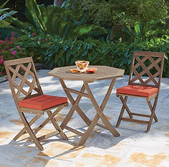 Patio Furniture For Apartments: MARTHA MOMENTS: Martha's New Outdoor Furniture Collections