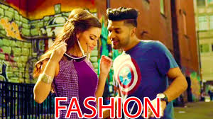 Fashion - Kuch Khaas Full Video Song Priyanka Chopra, Kangana 38