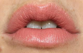 Charlotte Tilbury Lipstick K.I.S.S.I.N.G Kissing Valentine 2017 Spring Limited Edition lip swatch