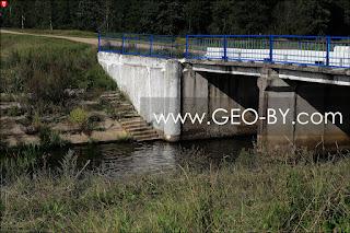 Налибокская пуща. Дорога Н9820, мост. Ступеньки к воде