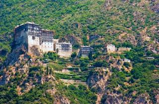 5. Gunung Athos