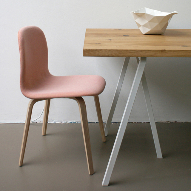 appunti di casa novit da hay design grey loop table more. Black Bedroom Furniture Sets. Home Design Ideas