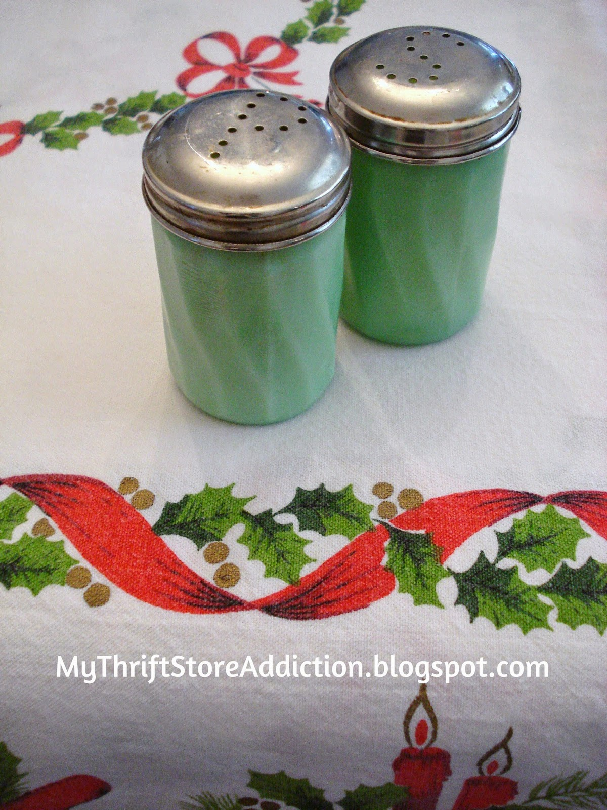 Vintage jadeite salt and peppers