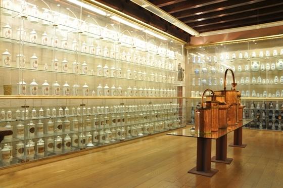 imagen_burgos_arco_santa_maria_puerta_carlos_v_renacimiento_arte_museo_farmacia