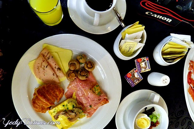 Breakfast Buffet at Prime Cafe od B Hotel Alabang