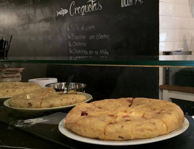 Tortilla de patatas mejor tortilla de patatas de madrid estamostendenciados calle pez pez tortilla croquetas malasaña madrid