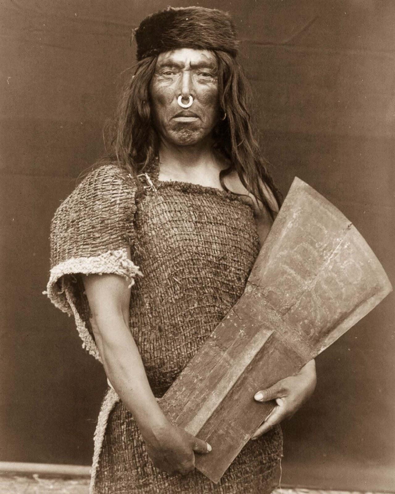Hakalahl, a Nakoaktok chief. 1914.