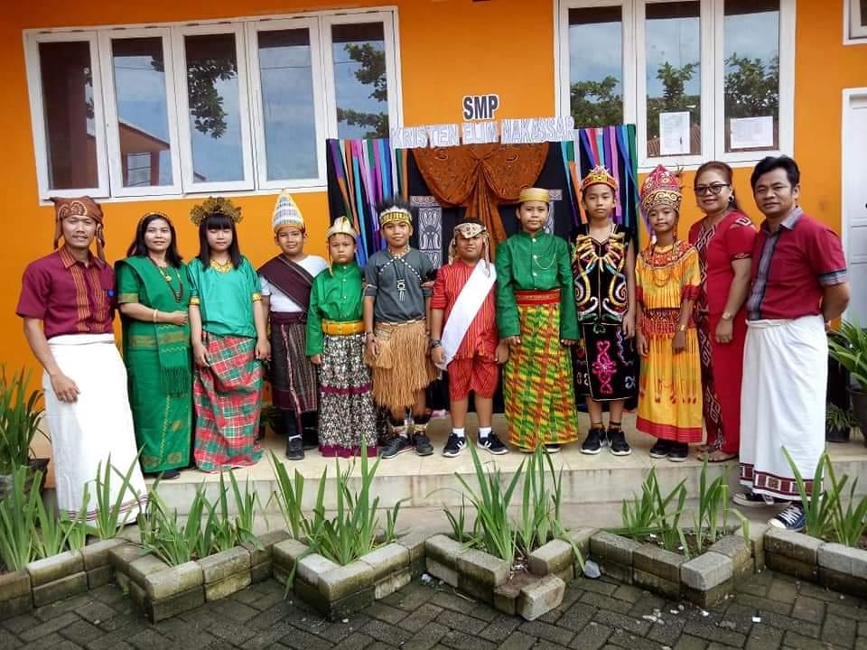 Peringati Hari Kebudayaan, SMP Kristen Elim Makassar Ajak Siswa Kenali Budaya Lewat Lagu Daerah