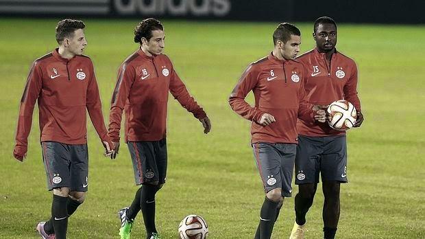 Με 4-3-3 η PSV