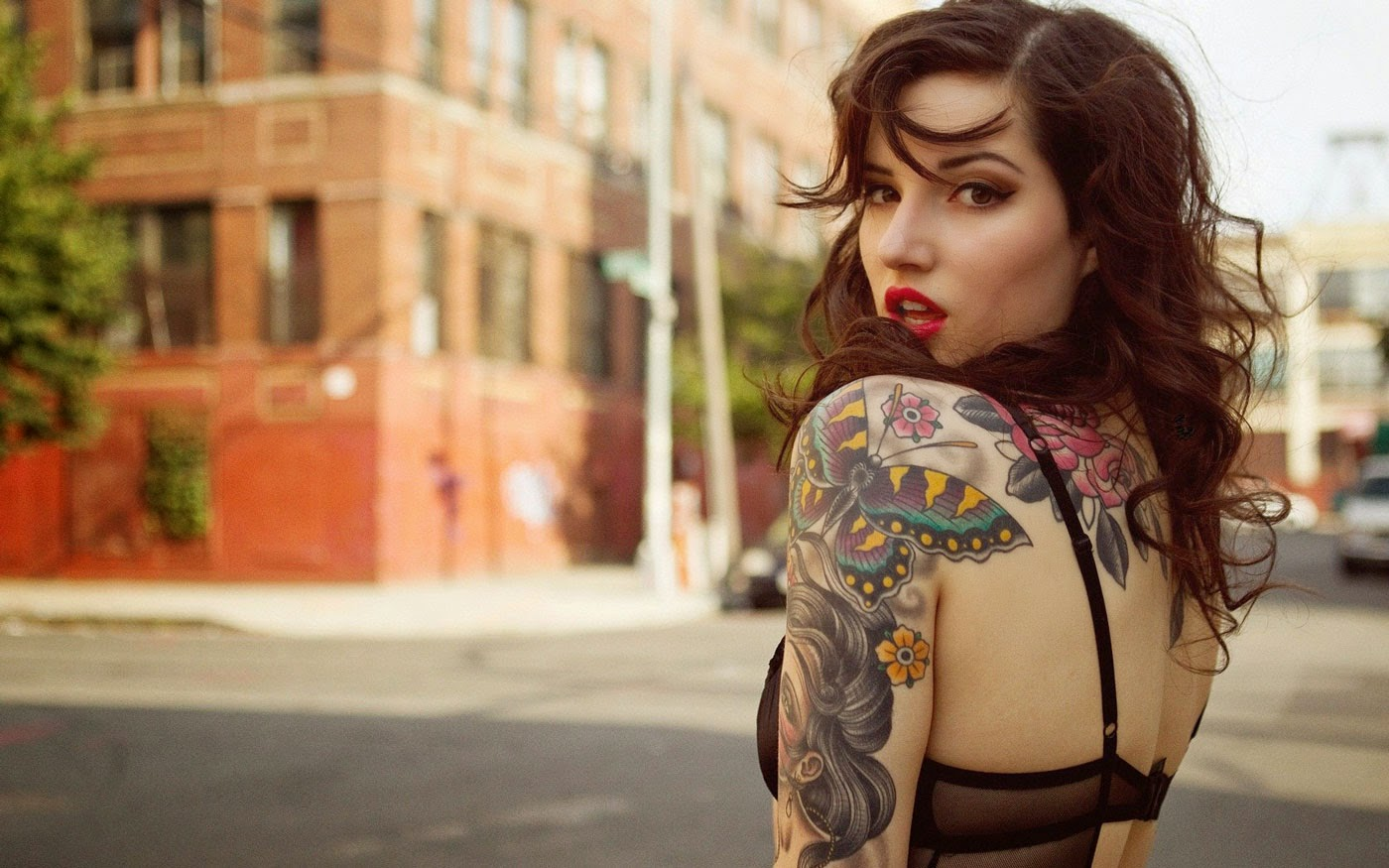 Hand Tattoo Girl Wallpaper