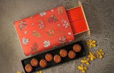 Source: Shangri-La Hotel, Singapore. The Shang Palace Mini Eight Treasures Baked Mooncake Gift Set.