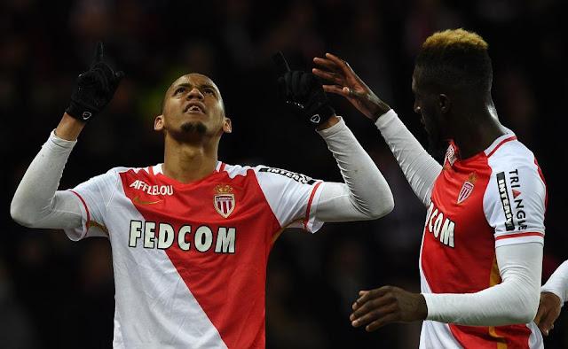 fabinho celebrant son but lors de la victoire de Monaco à Paris