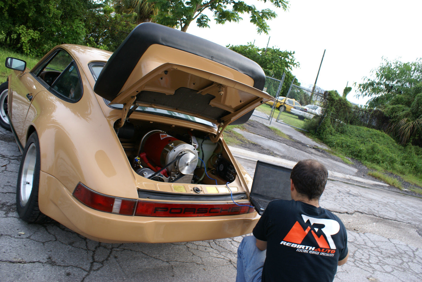 This 911 Has Had Its Aircooled Flat 6 Replaced With A Set Of Two Netgain Warp9 Electric Dc Motors Controlled By Evnetics Soliton1 Controller Capable