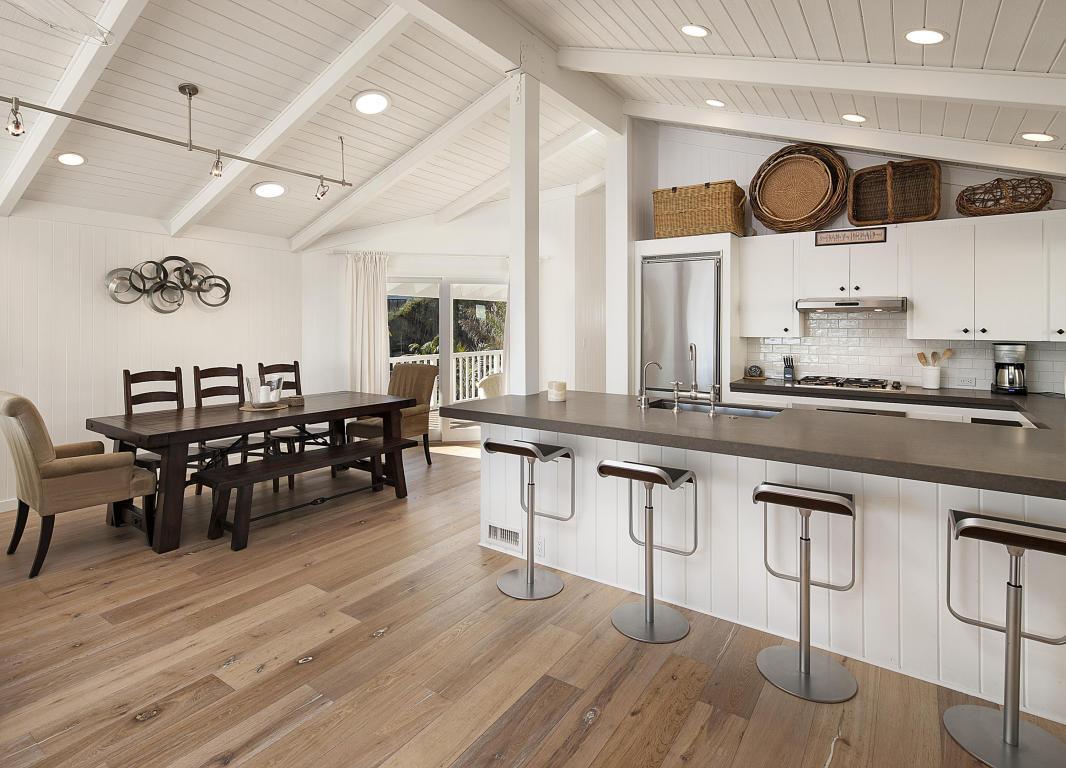 Mila and Ashton Kutcher Beach House - found on Hello Lovely Studio