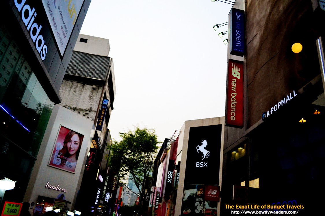 bowdywanders.com Singapore Travel Blog Philippines Photo :: South Korea :: Where to People-Watch: Myeongdong or Insadong?