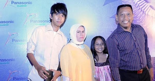 Hj Susiana dan Keluarga